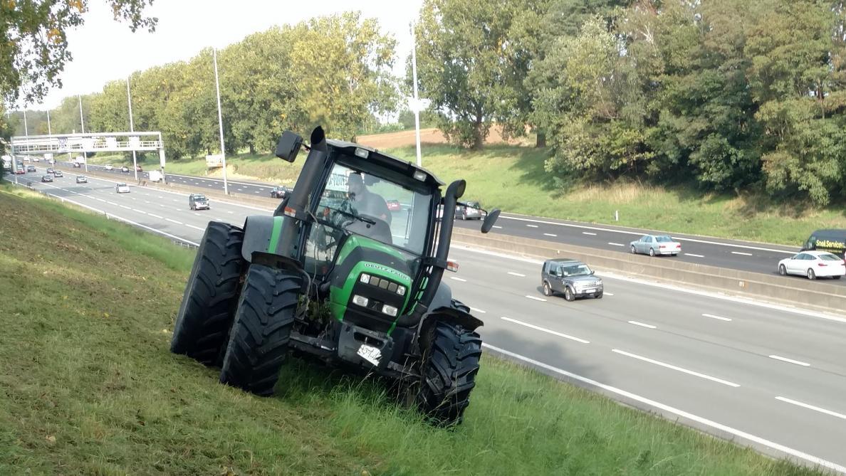 depuis le 1er avril les autoroutes seront interdites aux tracteurs. Black Bedroom Furniture Sets. Home Design Ideas